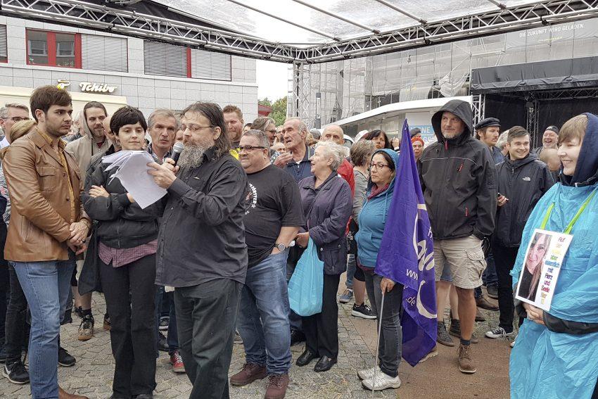 Protestversammlung gegen den Aufmarsch 'besorgter Bürger' auf dem Robert-Brauner-Platz in Herne (NW), am Mittwoch (04.09.2019).Foto: Heike Ratsch