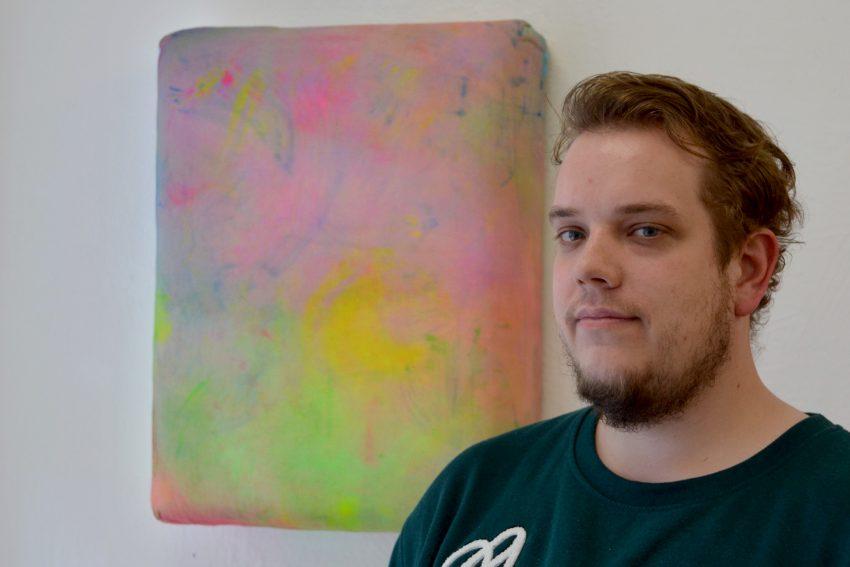 Florian Kunath vor seinem ersten Kissenbild.