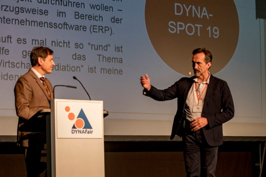 1. Dynafair-Messe im Kulturzentrum.