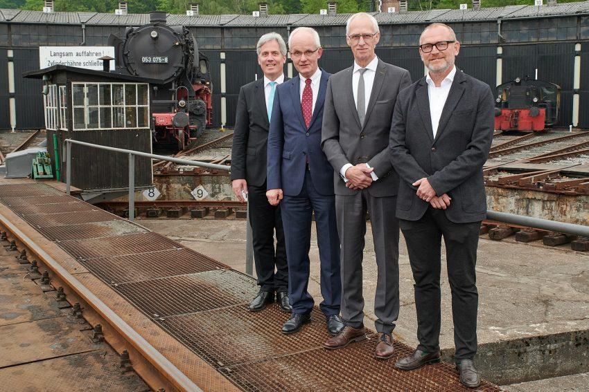 Der Vorstand des Arbeitgeberverbandes der Metall- und Elektroindustrie Ruhr/Vest.