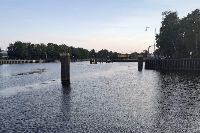 Der Rhein-Herne-Kanal oberhalb der Schleuse in Wanne, am Dienstag (23.07.2019).