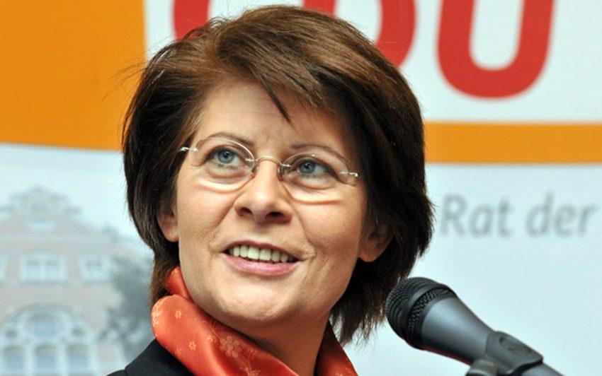 Dr. Renate Sommer.