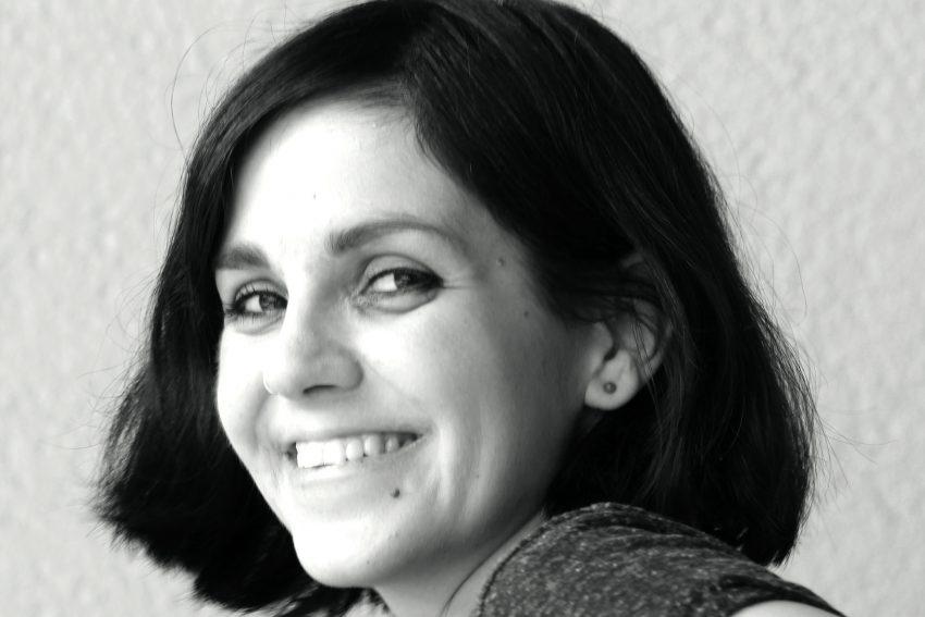 Die gebürtige Hernerin Julia Korbik lebt seit 2012 in Berlin, wo sie als freie Journalistin über Pop und Politik aus feministischer Sicht schreibt.
