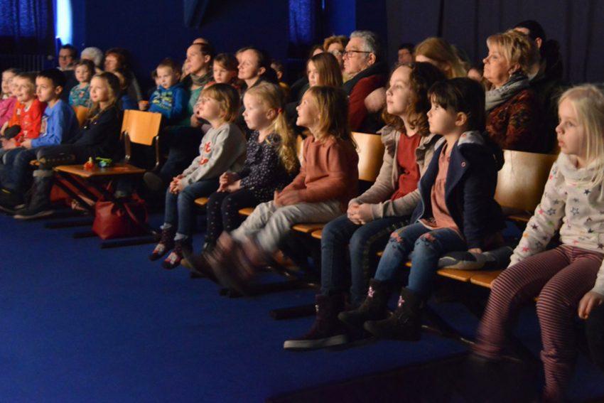 Im Tigerpalast am Heisterkamp wurde die Theatersaison für kleine Menschen mit dem Stück Fussel und Quaste eröffnet.