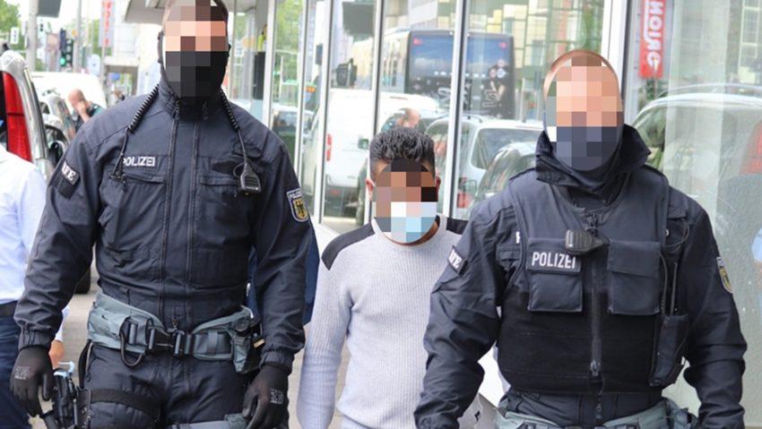 Die Bundespolizei nahm unter anderem in Herne mehrere dringend Verdächtige einer möglichen Schleuserbande fest.