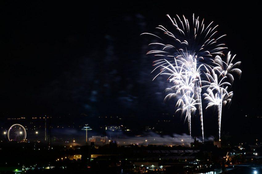 Das Eröffnungsfeuerwerk zur Cranger Kirmes 2016.