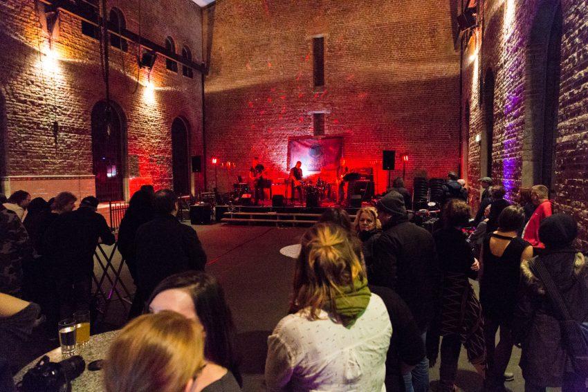 Fünf Bands spielten bei der 2. Wanner Mondfinsternis in der Maschinenhalle der Zeche Unser-Fritz.