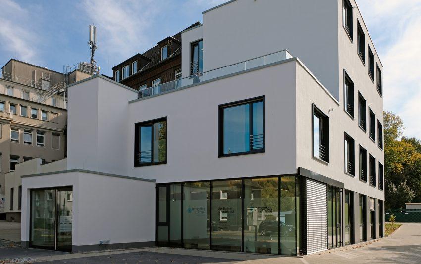 Der neue Erweiterungsanbau am EvK Herne-Eickel.