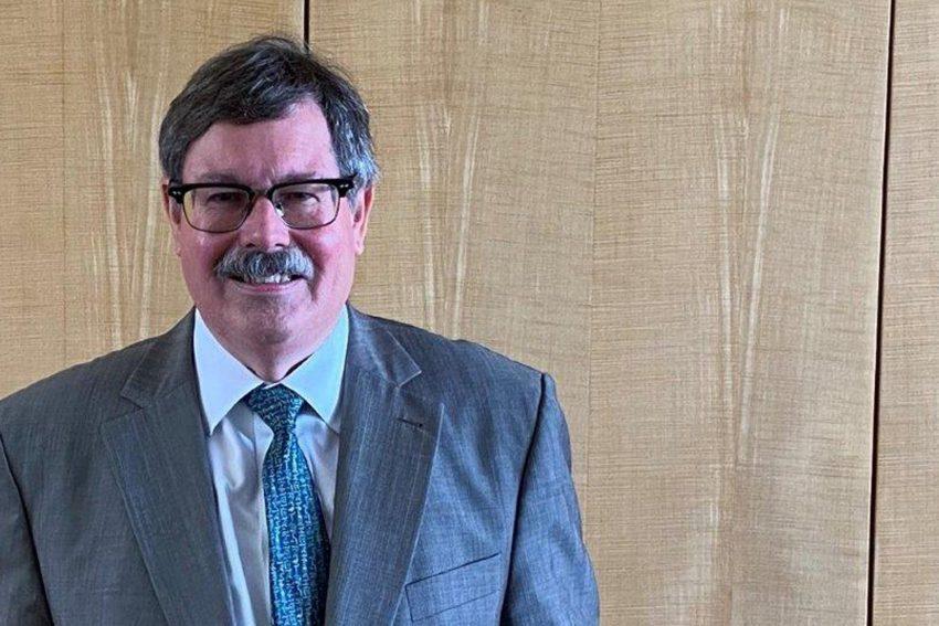 Dr. Otmar Schneider, Vorsitzender des 14. Senats des Oberverwaltungsgerichts, in den Ruhestand verabschiedet.