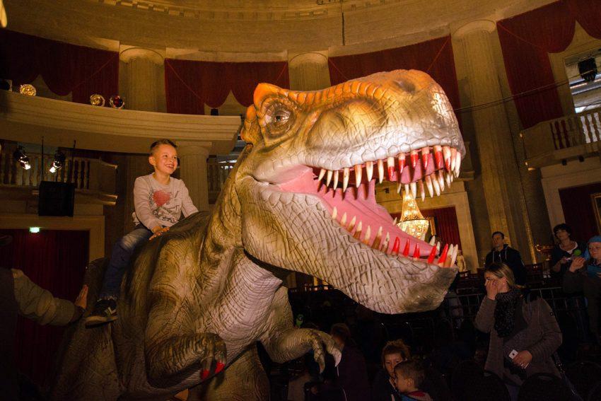 Die lebendige Dinosaurier Show.