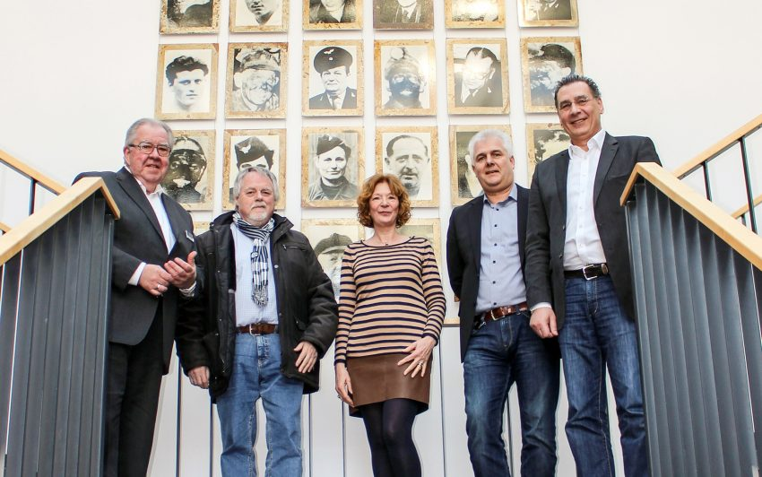 v.l. Gisbert Schlotzhauer (BOGESTRA), Volker Bleck, Manuela Lukas (beide stellvertretende Fraktionsvorsitzende) Arndt Hartmann (BOGESTRA) Udo Sobieski (SPD-Fraktionschef).