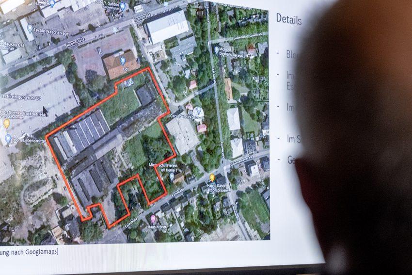 Vorstellung der geplanten Wohnbebauung im östlichen Teil des Knipping-Dorn-Geländes an der Eschstraße in Herne (NW), am Dienstag (15.09.2020). Die Deutsche Reihenhaus AG aus Köln will in den kommenden rund drei Jahren dort über einhundert Reihenhäuser von 85 bis 145 Quadratmeter Wohnfläche errichten.