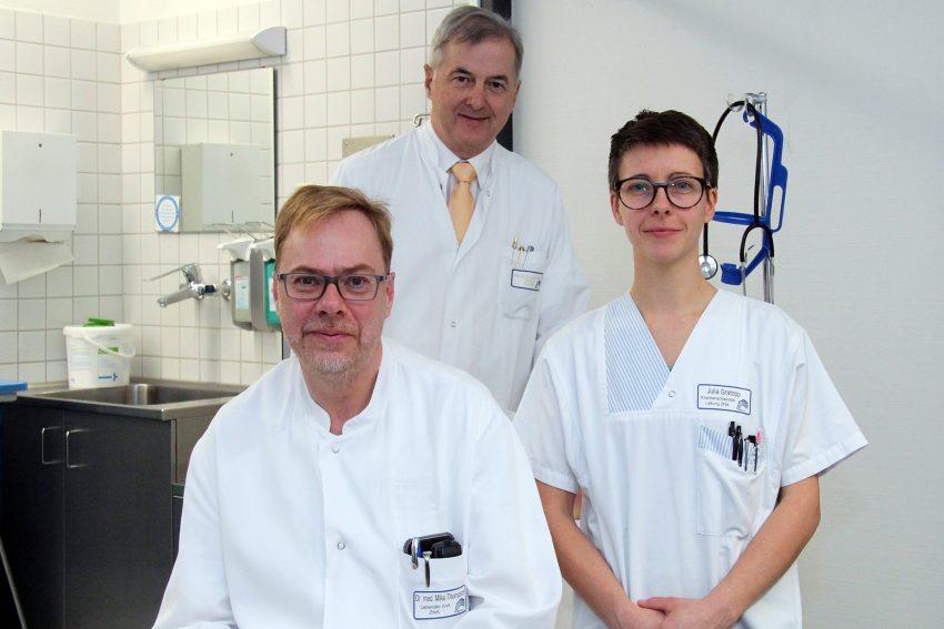 v.l. Dr. Mike Thompson, Prof. Dr. Matthias Kemen, Julia Gratopp.
