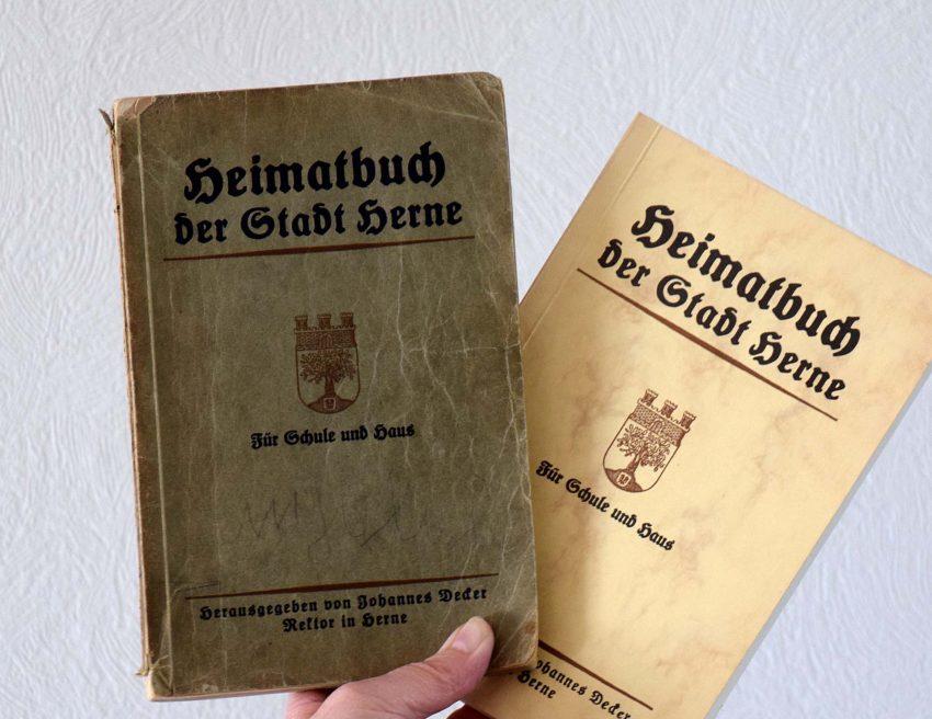 Die Original-Ausgabe des Heimatbuches der Stadt Herne von 1927 und der Nachdruck von 1980 - beides verlegt von Koethers und Röttsches.