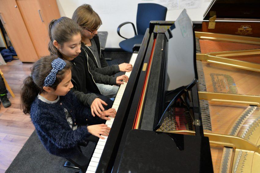 Sechshändig am Klavier - heute klappt alles