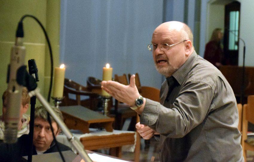 Chorleiter Johannes Rau.