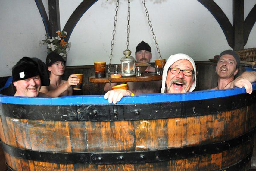 Badehaus beim Mittelalter im Park derer von Strünkede.