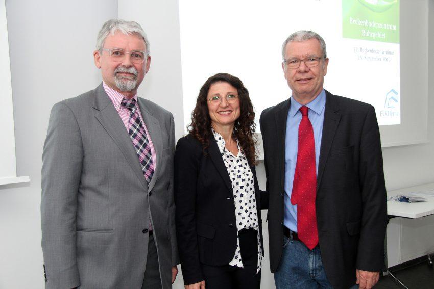 Chefärztin Luljeta Korca mit Dr. Klaus Friedrich Becher (l.) und Prof. Dr. Andreas Wiedemann.