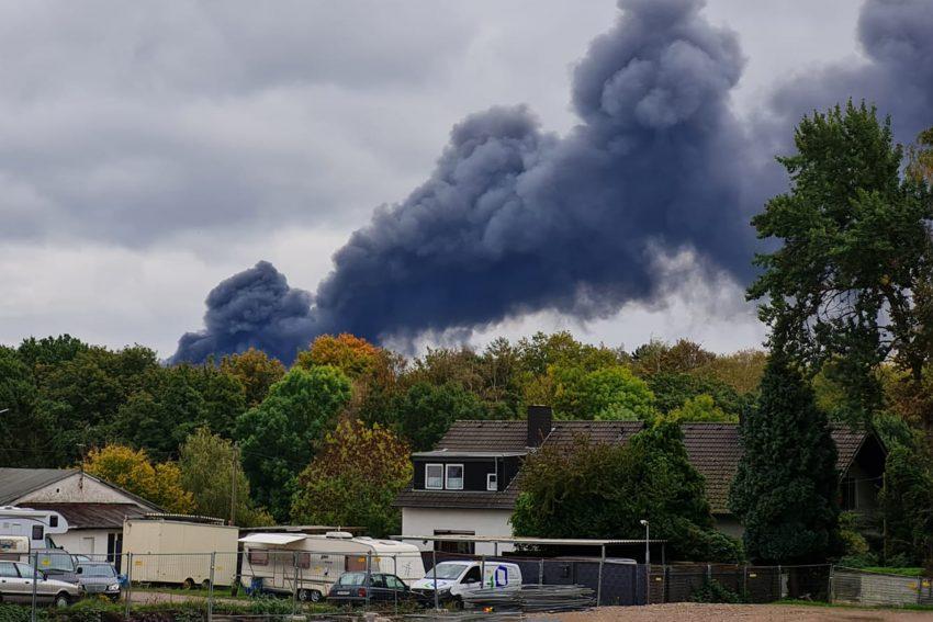 Großbrand im Bochumer Nordosten, der aus Herne gut zu sehen ist.