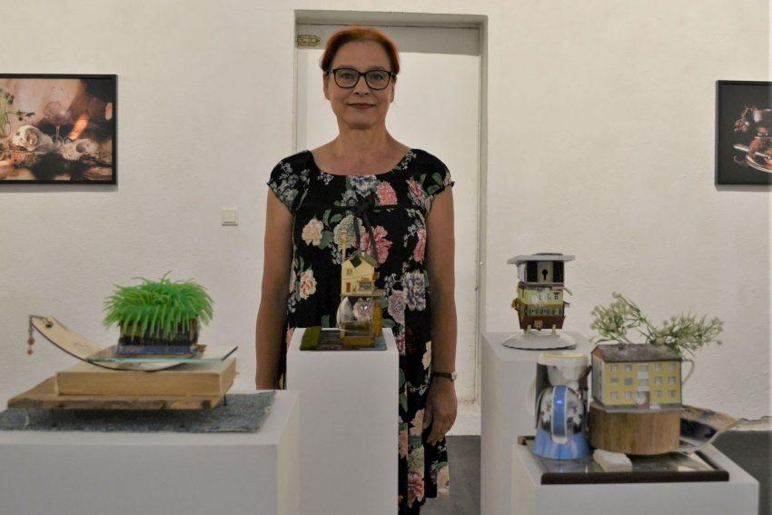 """Drei ihrer """"Stillhalt"""" genannten Assemblagen hat Christina Böckler für die Ausstellung auf Unser Fritz neu geschaffen."""