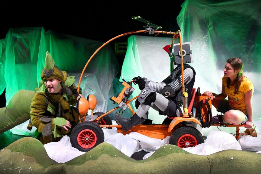 Jan Westphal als Nessie, Felix Zimmermann als Robbi und Sabrina Sauer als Tobbi.