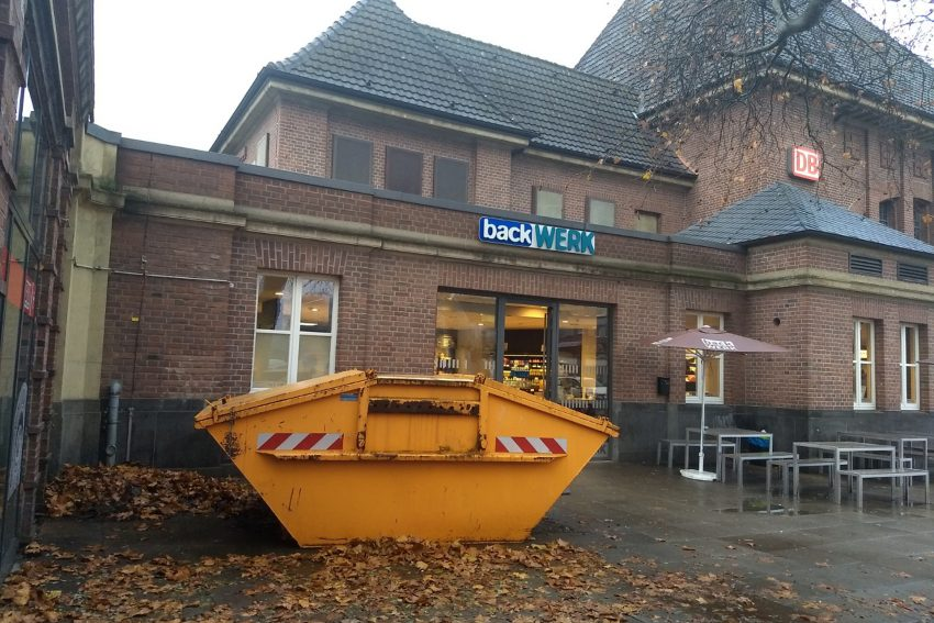 FDP Ortstermin am und im Herner Bahnhof.