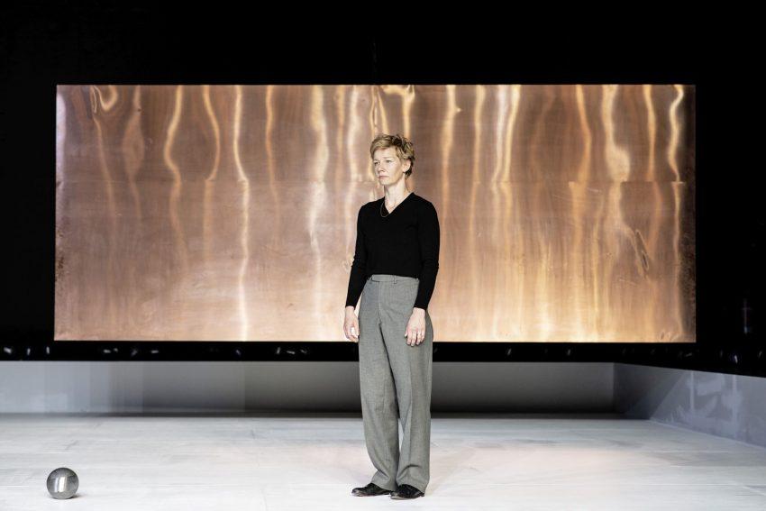 Sandra Hüller steht wieder am 26. und 27. September 2020 als Hamlet auf den Bochumer Schauspielhaus-Brettern.