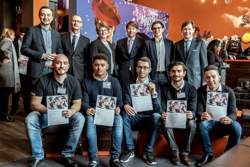 Das Gewinnerteam der Razor GmbH mit den Jurymitgliedern..