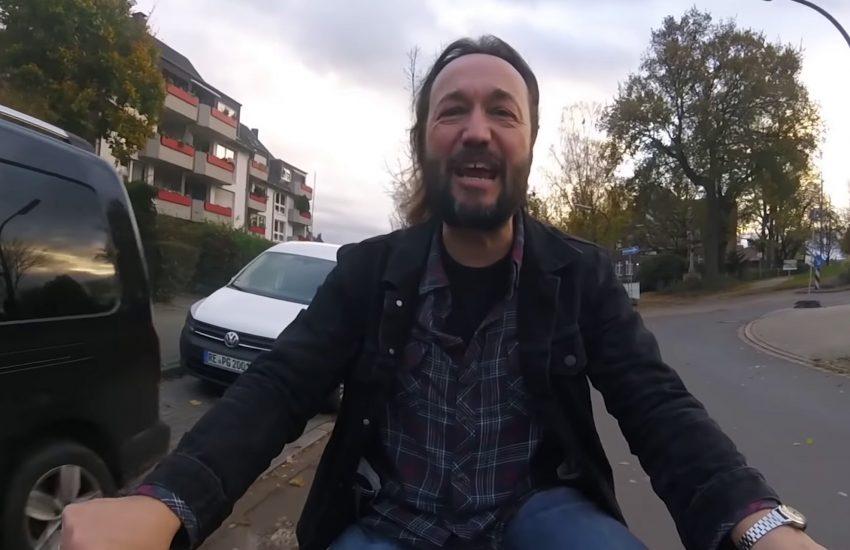 Klaus Spangenberg in dem Video 'Nicht systemrelevat'.