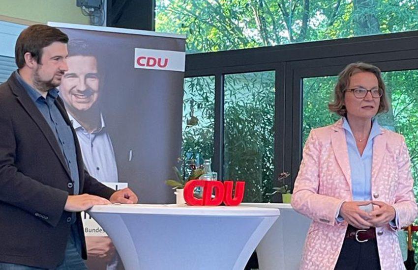 Christoph Bußmann im Gespräch mit Ina Scharrenbach.