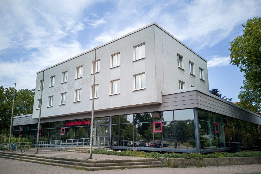 Die Stadtbibliothek im Stadtbezirk Wanne in Herne (NW), am Samstag (06.07.2019):