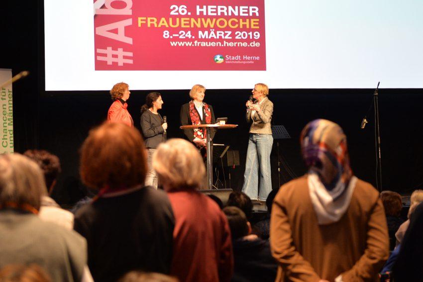 Eröffnung der 26. Herner Frauenwoche im Kulturzentrum.