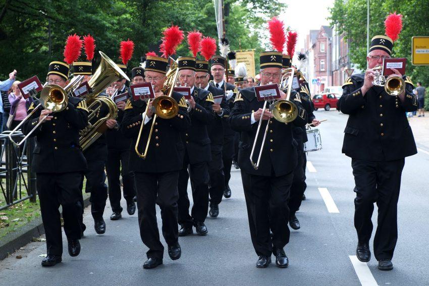 Bergparade des Landesverband der Berg- und Knappenvereine durch die Wanner Innenstadt.