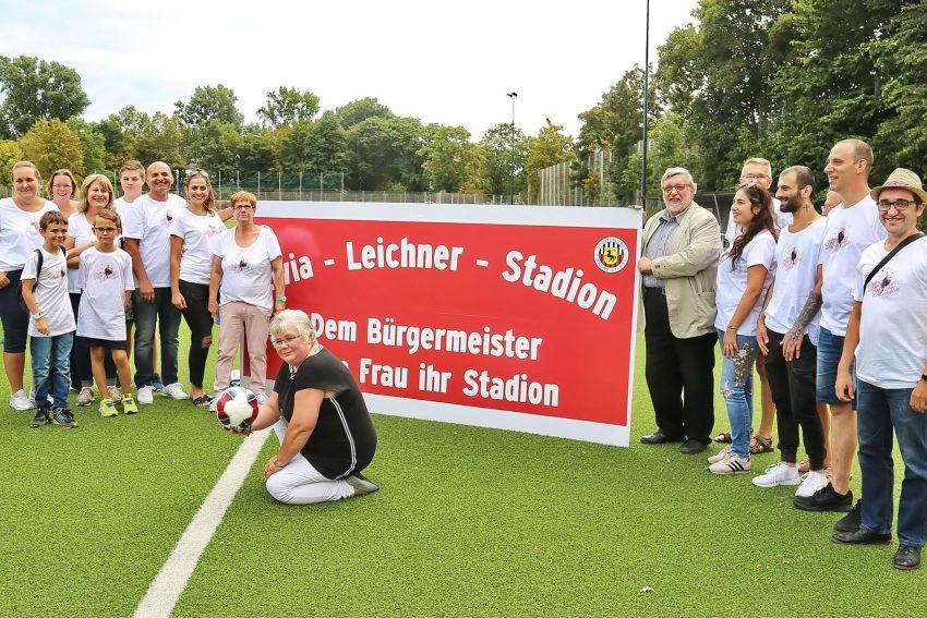 Livia-Leichner-Stadion samt Livia und ihr sein Fan-Club.