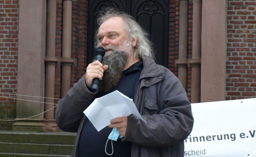 Der Direktkandidat der LINKEN für den Wahlkreis141, Herne - Bochum II.: Felix Oekentorp.