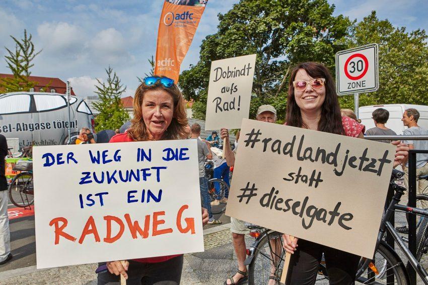 ADFC-Demo beim Dieselgipfel im August 2017.