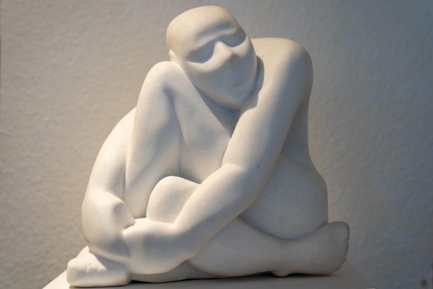 """Wilhelm Tinnemann zeigt """"Begegnungen"""" Malerei und Skulpturen in der Galerie Kunstpunkt."""