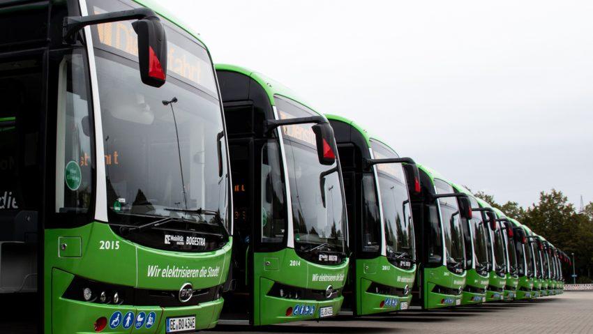 Die 2020 ausgelieferte neue E-Bus-Flotte der Bogestra.