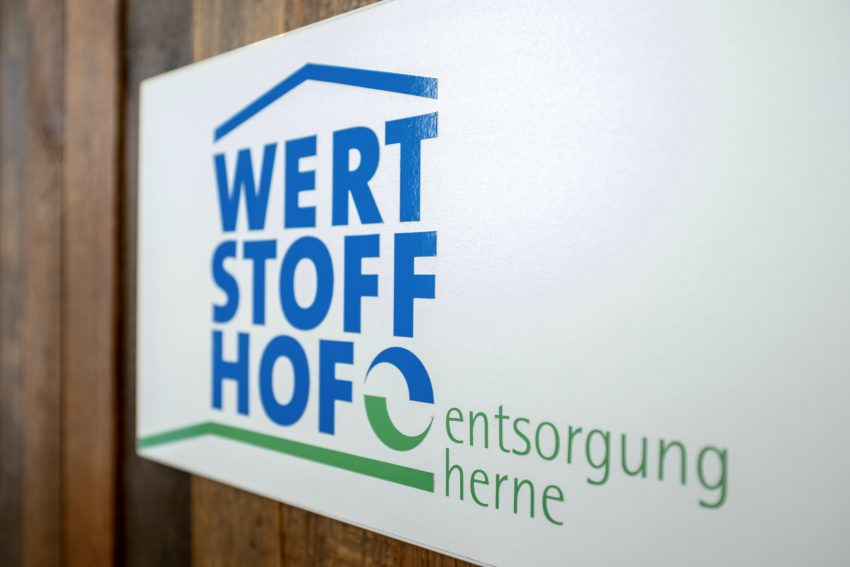 Spatenstich für den neuen städtischen Betriebshof an der Meesmannstraße in Herne (NW), am Montag (21.01.2019).