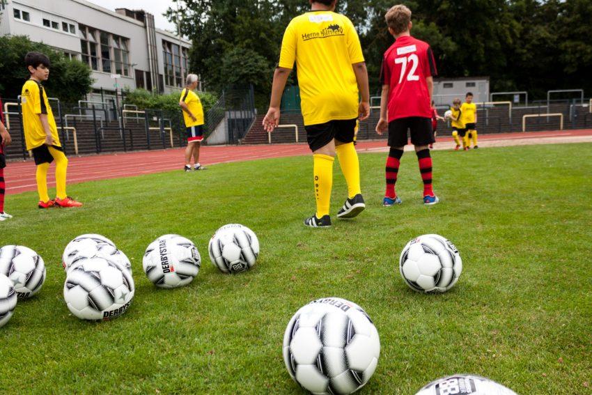 Fussball Verbindet Halloherne Lokal Aktuell Online