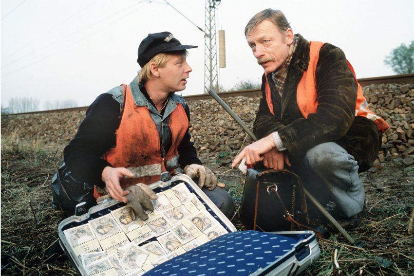 Die Streckenwärter Lansky (Otto Sander) und Dettmann (Ben Becker) finden auf ihrem üblichen Kontrollgang entlang der Bahnstrecke einen Koffer voller Geld. Bald werden die beiden harmlosen Glückpilze zu von eiskalten Profis Gejagten.