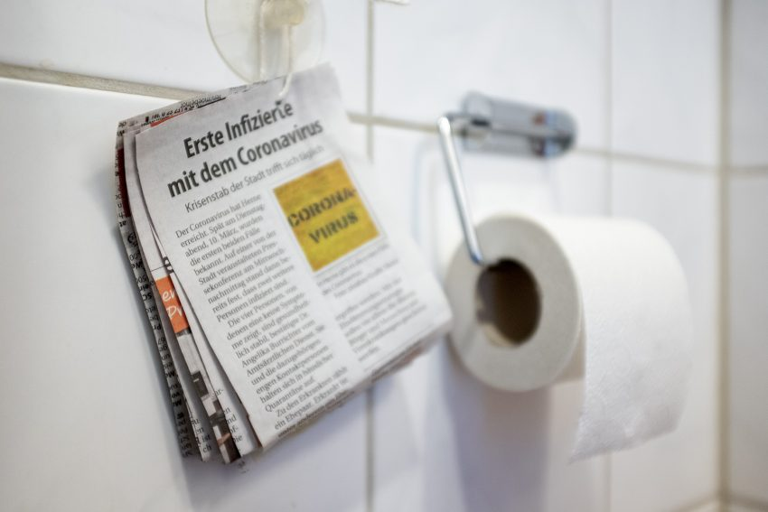Zeitungspapier als Ersatz für Toilettenpapier (Themenbild) in Herne (NW), am Dienstag (17.03.2020).