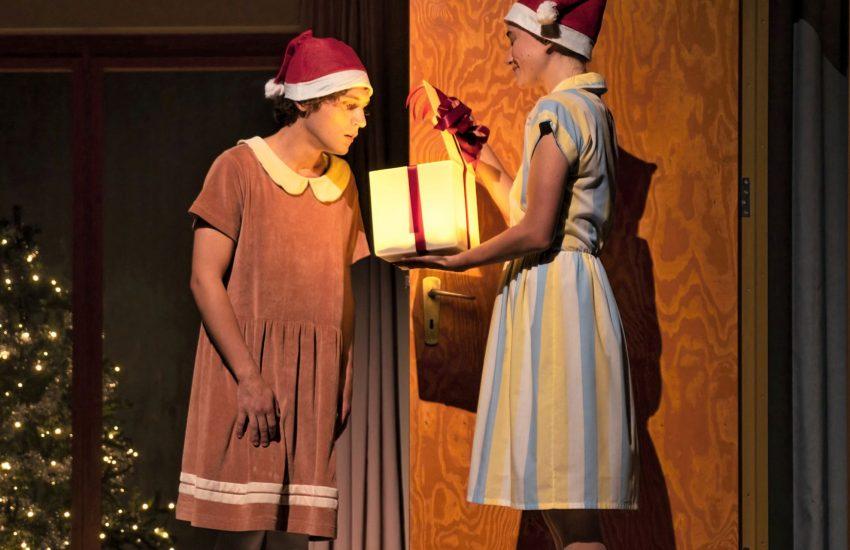 Ja, ist denn schon wieder Weihnachten? – mit Dominik Dos-Reis und Niki Verkaar.