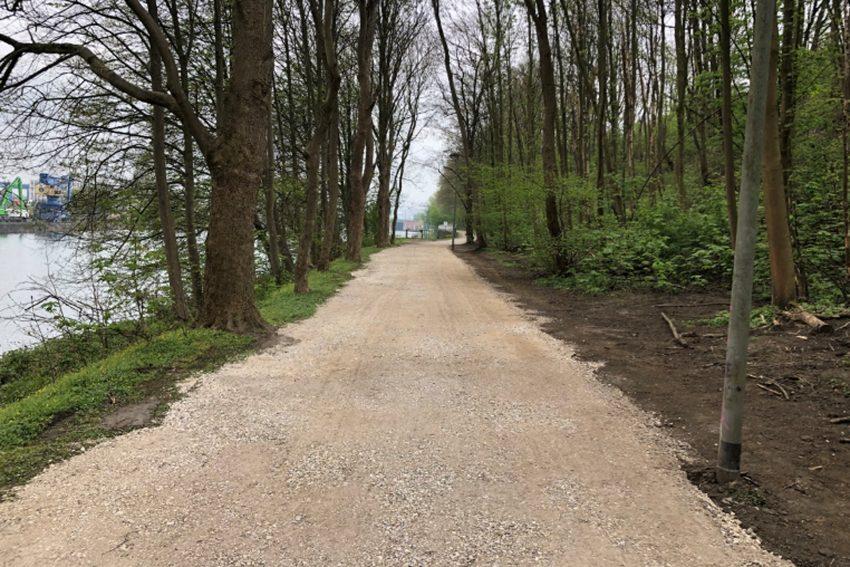 Der Rad- und Fußweg am Cranger Kirmes Platz wurde erneuert.