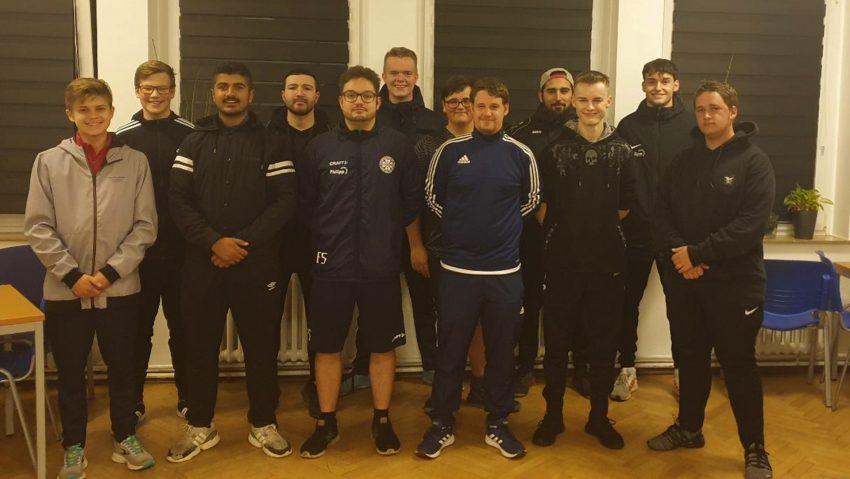 Der Fußballkreis Herne hat zwölf neue Schiedsrichter ausgebildet.