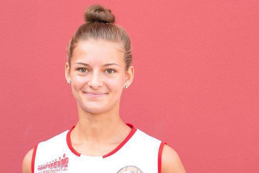 Jenny Strozyk, aktuelle Erstligaspielerin der GiroLive Panthers Osnabrück und Europameisterin 2018 mit der Deutschen U18-Nationalmannschaft,