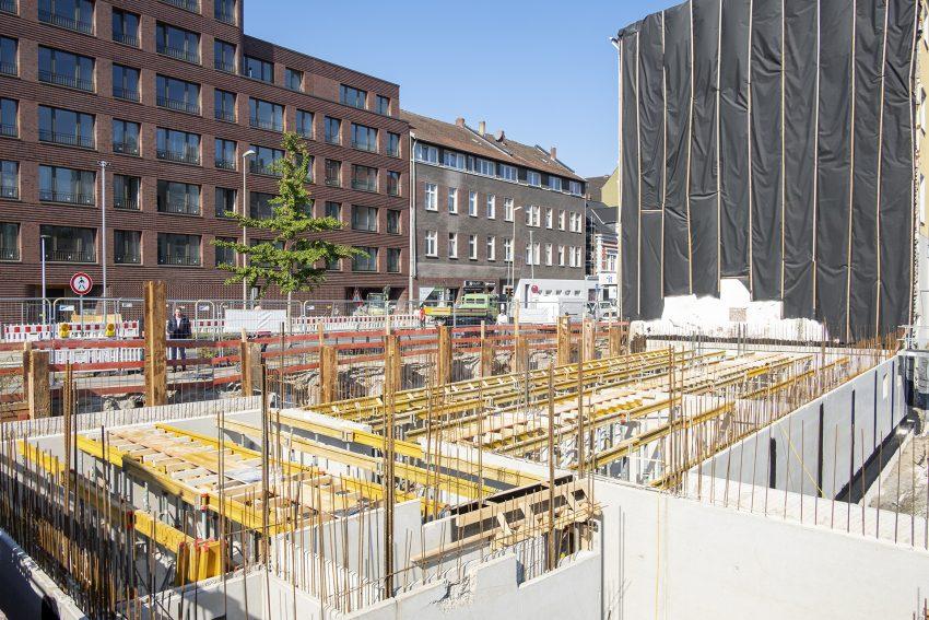 Grundsteinlegung zum Neubau der Hauptverwaltung der IFÜREL EMSR-Technik GmbH & Co. KG in Herne (NW), am Mittwoch (02.09.2020). Der Neubau an der Bahnhofstraße / Ecke Funkenbergstraße entsteht unweit des alten Firmensitzes. Auf dem Grundstück befand sich ein früheres Hotel, welches aufgrund der schlechten Bausubstanz abgebrochen werden musste.