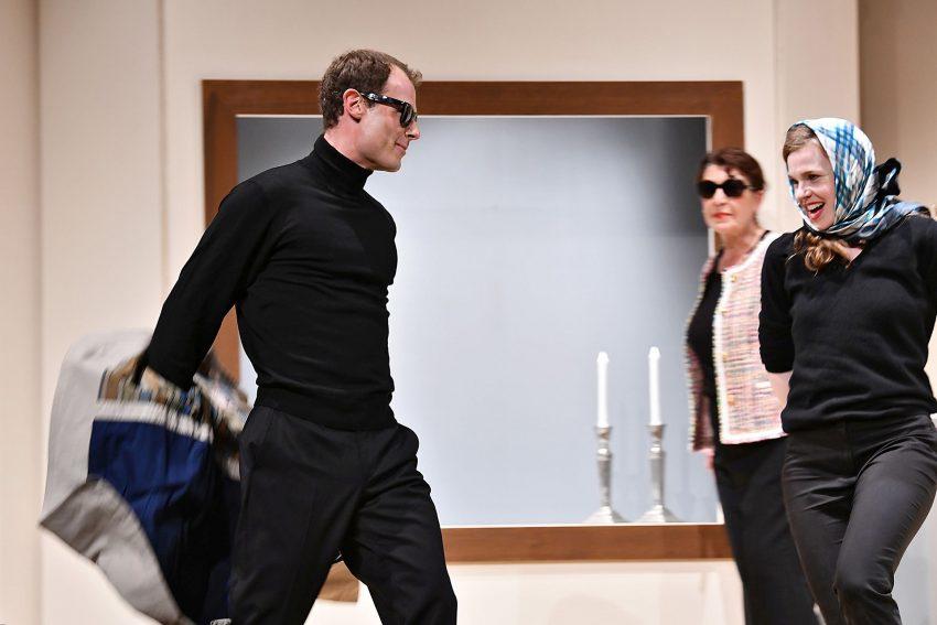 Romy Schneider – Das Leben einer Ikone: So ein Mann, so ein Mann: Alain Delon (Mario Thomanek) begeistert – und befreit – Romy Schneider.