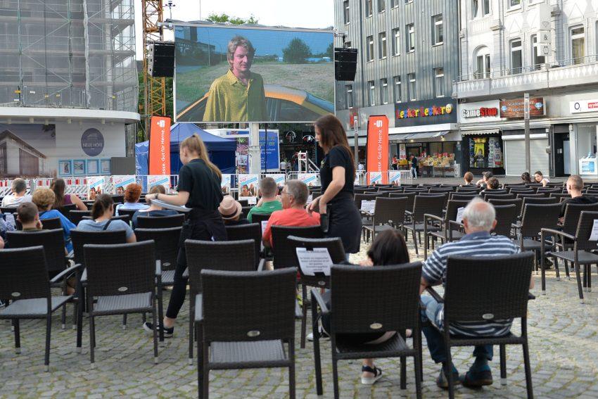Bei der Erst-Auflage des Ruhrpottkinos auf dem Robert-Brauner-Platz.