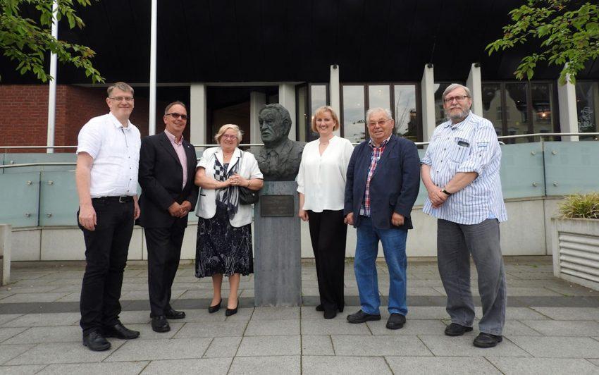 v.l. Jürgen Hattendorf (Geschäftsführer), Frank Heu (Vorsitzender), Irmgard Hagenkötter (Beisitzerin), Kirsten Eink (Stellvertretende Vorsitzende), Helmut Krohn (Beisitzer), Fritz Pascher (Schriftführer).